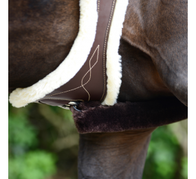 KENTUCKY sheepskin anatomic girth