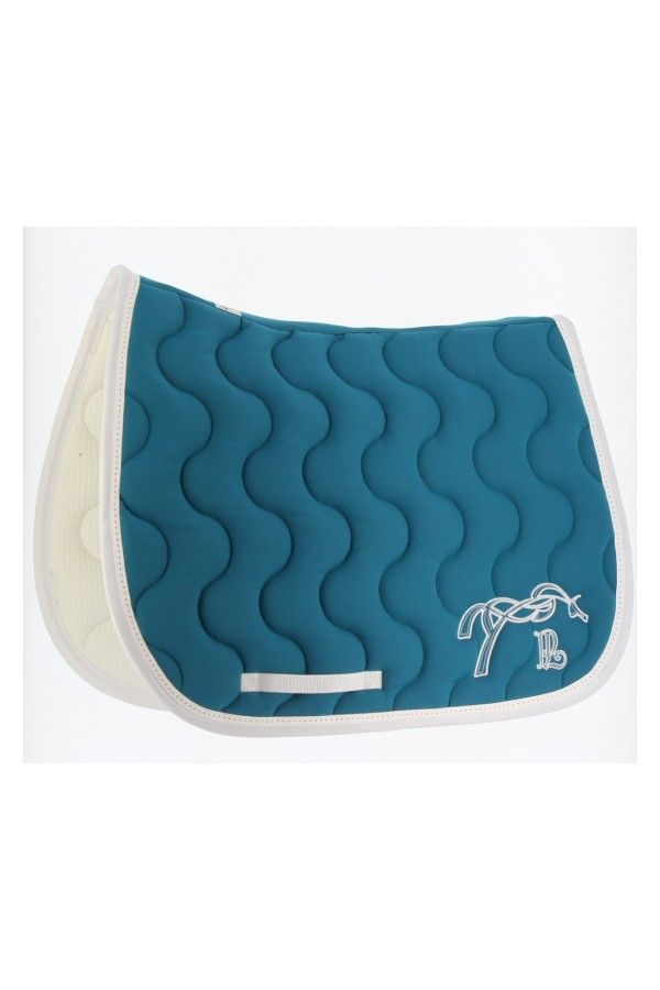 """The """"famous"""" Penelope Classique saddle pad is technical, elegant and neat."""